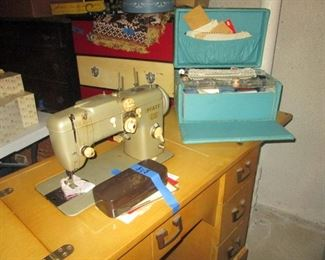 Pfaff Mod 230 Sewing Machine