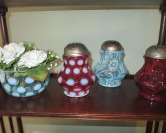 Fenton Old Sugar Shakers Cranberry Opalescent