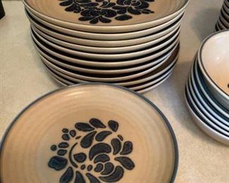 Pfaltzgraff Folk Art Plates