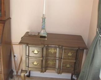 side table, art pottery lamp