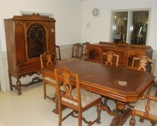 Incredible Dining Room Set