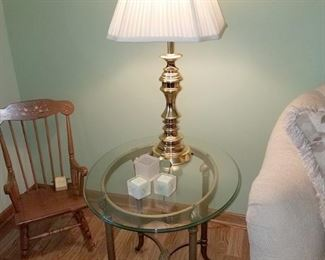 Matching end table (2)