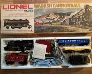 Vintage Lionel Wabash Cannonball train set with original box. $40
