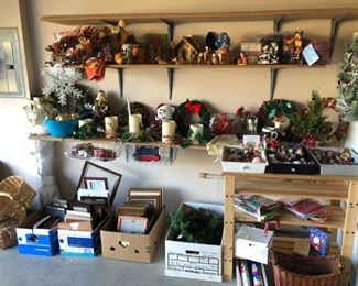 holiday decor, picture frames