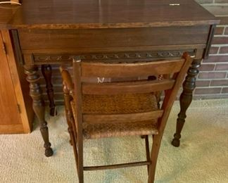 HALF OFF !  $50.00 now, was $100.00......Small Writing Desk and Chair (M66)