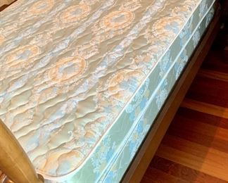 Seally Posturepedic Full Mattress Set $50 Or included with Cherrywood 4 poster bed.