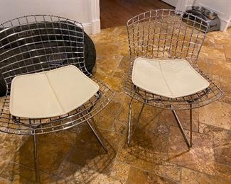 Please see the next photo.  WE KNOW HAVE 6 OF THESE KNOLL CHAIRS Design Within Reach Still being sold for $759 each.  ALL 6 for $2200