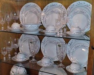 .Platinum Garland Fine China by Harmony House