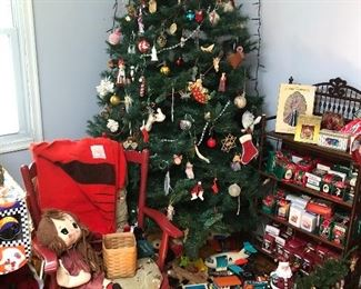 Tree, ornaments and decor