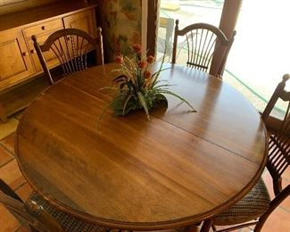 $450~ ETHAN ALLEN ROUND KITCHEN TABLE WITH FOUR CHAIRS  AND ONE LEAF
