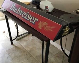 Vintage Budweiser Pool table light. Excellent condition.