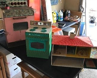 Vintage  Barbie stove, oven and playhouse