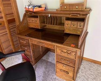 $395 vintage Post Master rol top desk Oak