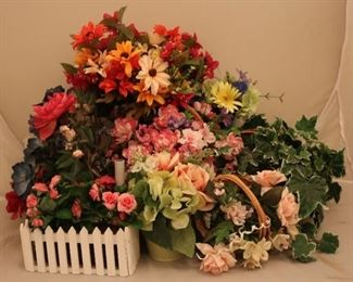 Lot# 2212 - Lot of Assorted Faux Flowers