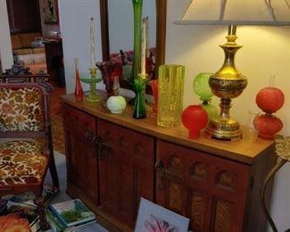 painted console with matching mirror. antique lamps, mid-century glass and small gone with the wind lamps. brass side lamp with newer shade.