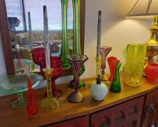 stetch glass, vaseline, art glass and lamps