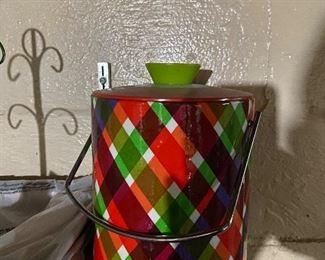 Cool Ice Bucket