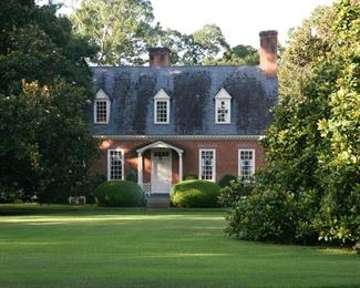 """A LOVELY WILLIAMSBURG HOME DESIGNED AND BUILT BY """"EDWARD VASON JONES"""" IN 1951 FOR THE ORIGINAL OWNERS, MR. & MRS. ANGUS  ALBERSON AND BECAME THE RESIDENCE OF DR. AND MRS. TIM TRULOCK SOME 30+ YRS AGO."""