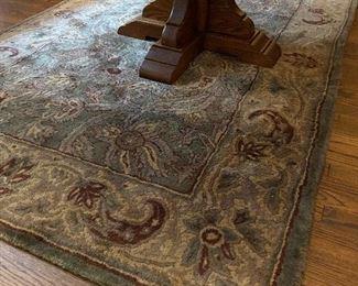 Plush area rug. 4 x 6