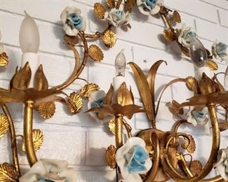 Pretty metal flowers large sconce
