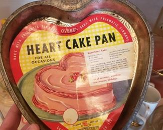 I love this heart pan..I found the liner in with the recipes!