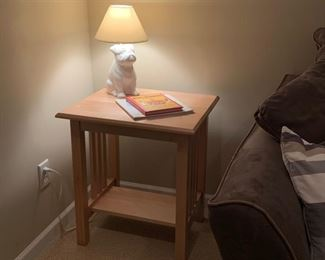 Solid Ash end table $40            Bulldog lamp $15