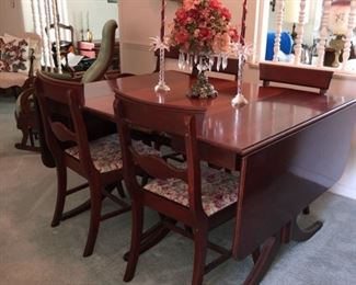 Duncan Phyfe drop-leaf table and 6 chairs