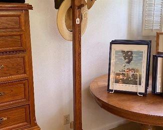 Oak coat rack, good looking 150.00