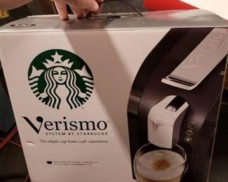 Verismo Systems by Starbucks Model # 580 Piano Black Used 3 times $125