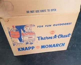 Very Rare Almost Mint Condition in Original box Knapp Monarch Therm-A-Chest $350