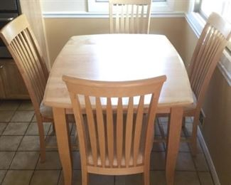 Canadel Kitchen Table and 4 chairs... barely used.. almost new