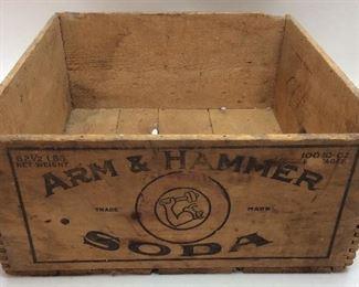 VTG. ARM & HAMMER SODA BOX CRATE