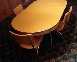 1950's kitchen table and chairs. Excellent condition