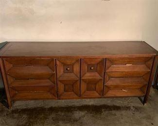 CENTURY Mid-Century Dresser