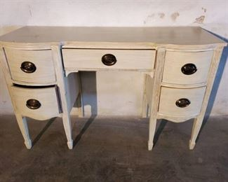 Cute Vintage Vanity with 5 Drawers with Brass Handles