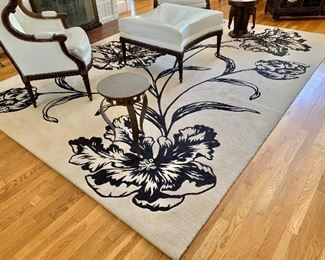 $495 Contemporary floral rug: 8' x 11'.