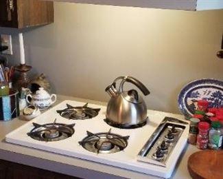 Roper gas cooktop & fan