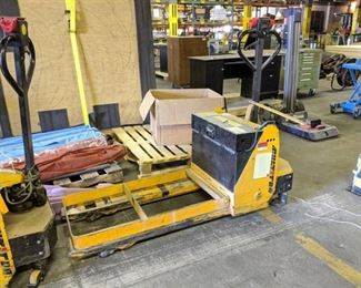 Multiton Motorized 3000Lb Hand Pallet Truck WM30 23X42