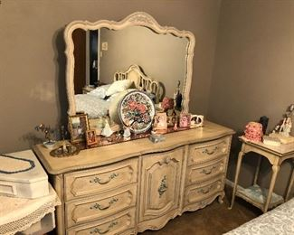 Triple Dresser - Bedroom Suite pic 1