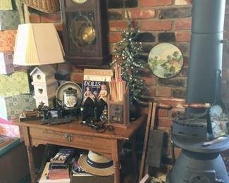 Oak lamp table & iron primitives