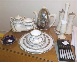 Wedgwood china Colonnade, service for 14