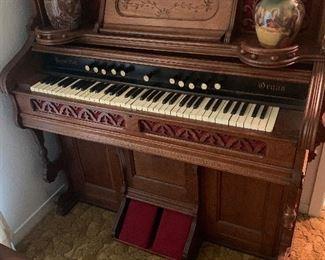 Hamilton Reed Organ
