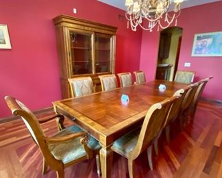 Lot 1501 Asking $4,250.00  Ethan Allen Townhouse Dining Table and 10 Chairs. Shown with 2 Leaves