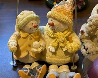 "Lot 1622.  $25. 2-Pc Lot includes Candle Hugger w/ Candle and Lid, Russ Ice Sculpture Snowmen ""Ski Daddling"". So cute!"