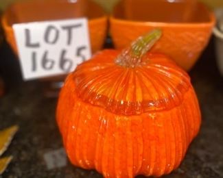 Lot 1665.   $25.00. Lidded Glass Pumpkin Bowl and 2 square bowls