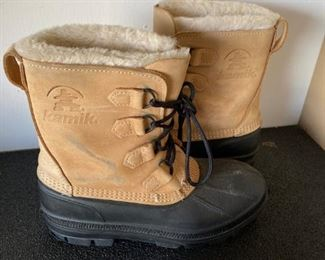 Lot 1684. $18.00. Pair of Kamika Snow Boots SZ 8, made in Canada