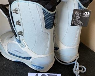 Lot 1690. $75.00 Morrow SnowBoard Boots (New Never Worn)