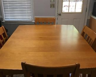Kitchen table (solid wood) - excellent condition