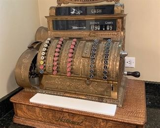 Beautiful and fully functional national cash register model 452