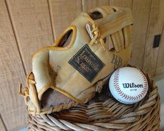 Louisville Slugger Glove LSG15